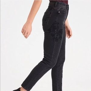 American Eagle mom jean black embroidered jeans